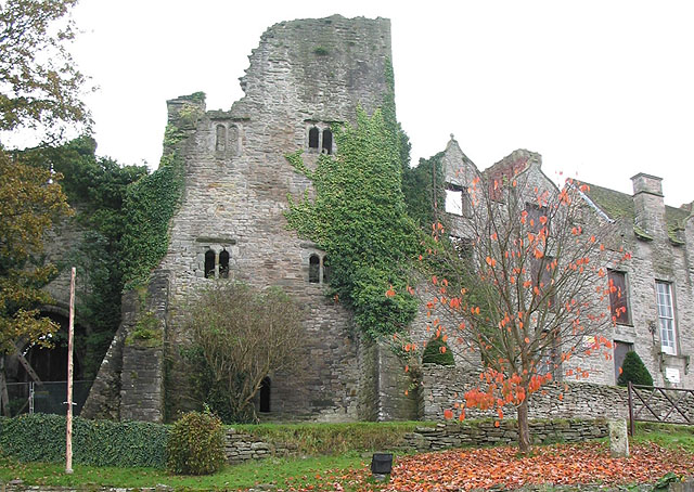 English: Hay Castle, Hay-on-Wye The castle has...